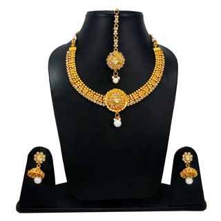 Alluring Necklace Set With Jhumki And Mang-Tika