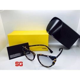 Fendi Retro Sunglasses FND451
