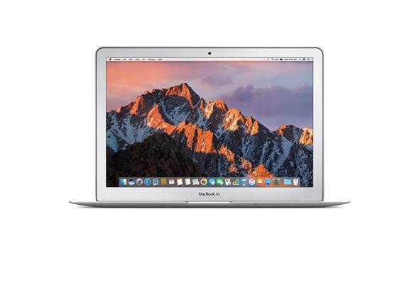 Apple MacBook Air 13  i5 8GB, 128GB Arabic and English