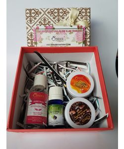 Luxurious Natural Glow Glam Gift Hamper