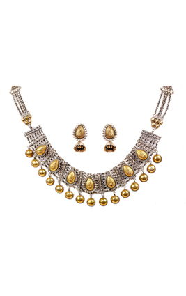 PEAR SHAPE DESIGN NECKLACE SET