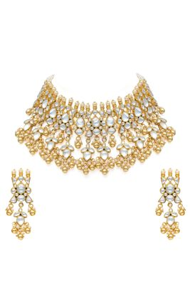 WHITE KUNDAN CHOKAR NECKLACE SET