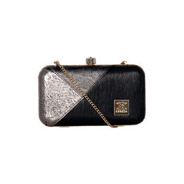 ESBEDA Solid Pattern Glammer box clutch For Women,  black