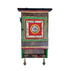VarEesha Handpainted Wooden Key Box, 900 g, red  green  brown, 8x3x13